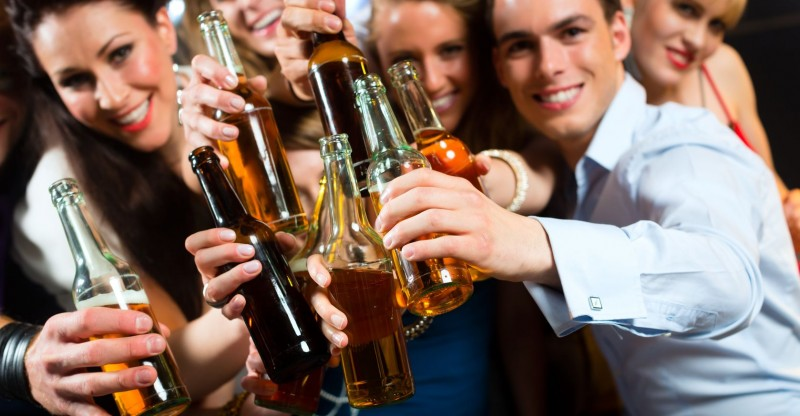 Going To Drink Party?? Remember These Safety Tips