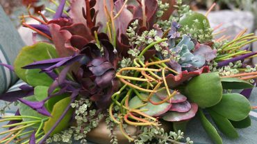 Awesome Features Involved In Artificial Flowers